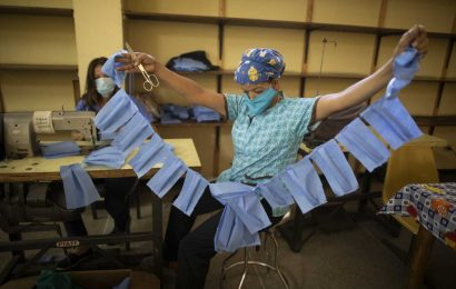 Venezuela hospital makes its own masks to confront new virus