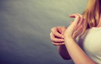 What Does It Mean When Your Left Hand Itches?