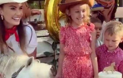 Elizabeth Chambers Celebrates 'Magical' Daughter Harper's Sixth Birthday in Cayman Islands