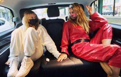 Double Take! Heidi Klum Kisses Look-Alike Daughter Leni, 16, in Sweet Shot