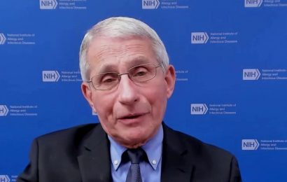 Fauci cautions against dining out, even when vaccinated