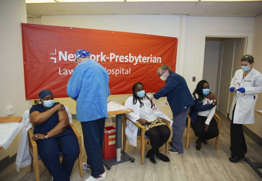 COVID-19 cases in US triple over 2 weeks amid misinformation